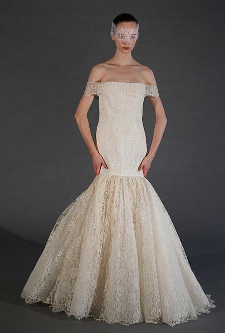 Cô dâu cao và dáng mảnh phù hợp với kiểu váy này.