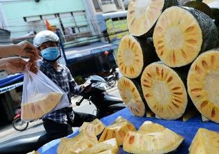 Mít Thái bán trên đường Hồng Hà, Q.Tân Bình, TP.HCM