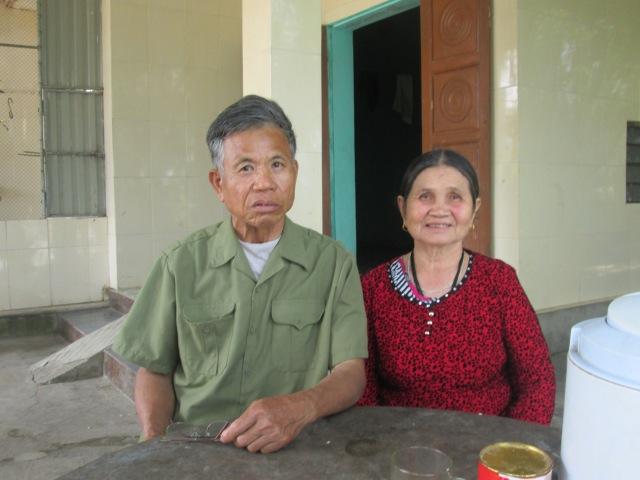 Vợ chồng ông Toàn vui mừng kể lại hành trình mình trở thành triệu phú.