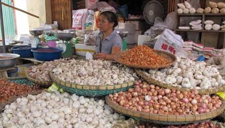 Nông sản Trung Quốc vẫn được bày bán nhiều ở các chợ dân sinh